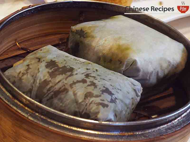 STEAMED STICKY RICE WITH CHICKEN IN LOTUS LEAF WRAP - dim sum