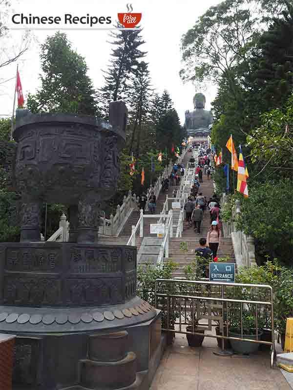 hong kong giant bronze buddha steps