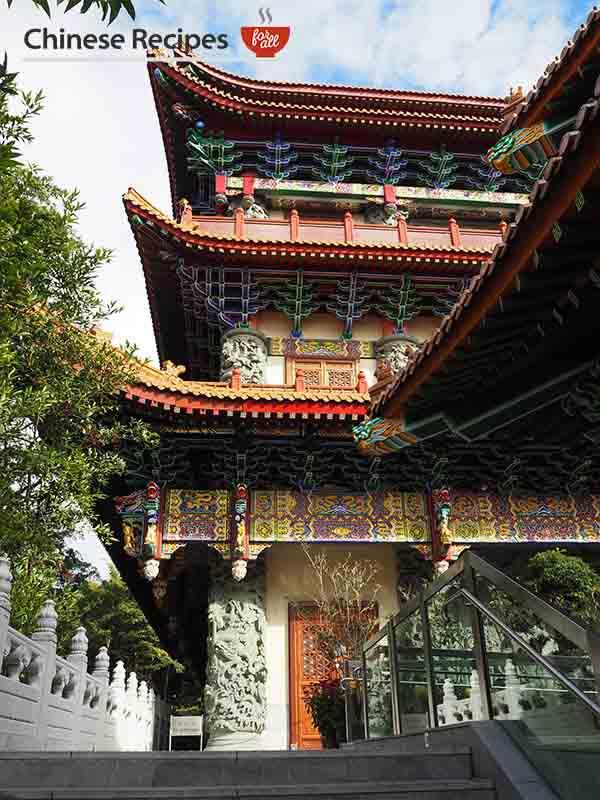 hong kong giant bronze buddha monastery