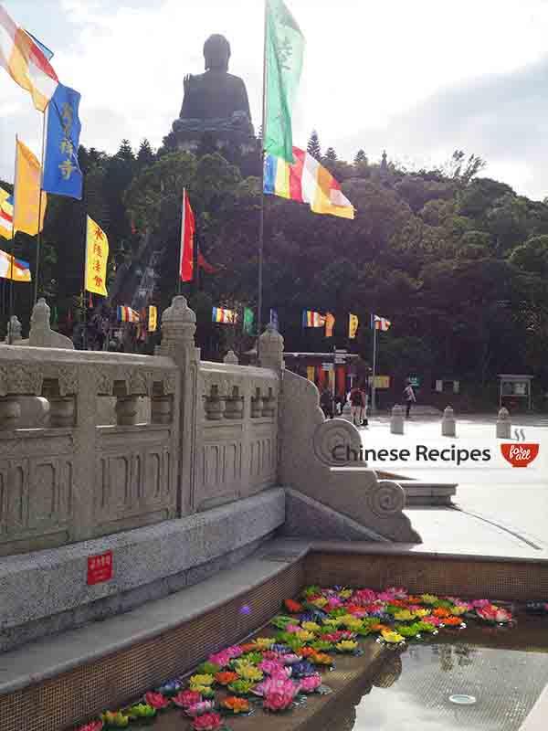 hong kong giant bronze buddha holy