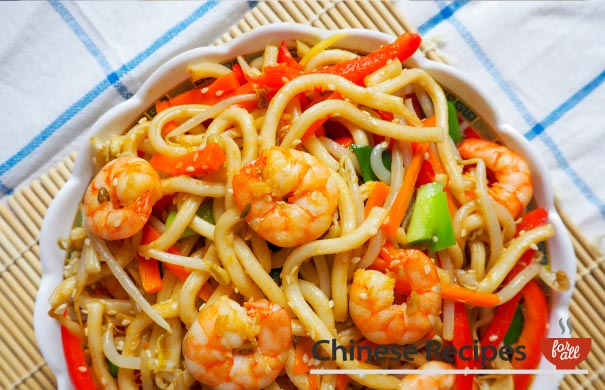 Fried King Prawn Udon Noodles with Ginger and Sesame Seeds - Chinese Recipes For All.com
